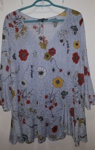 Claire France Flowers Blooming Size 2X Top
